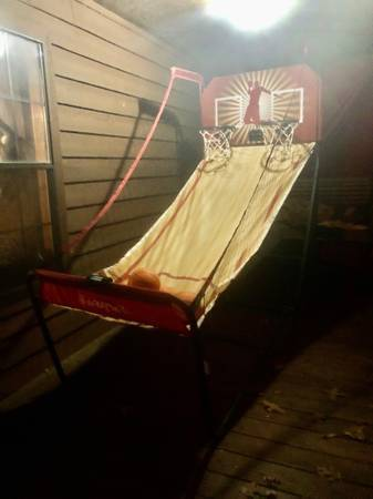 Photo Electronic basketball - $80 (Finger, tn)