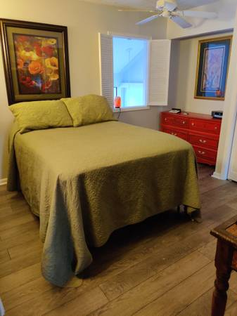 Photo Full Size Bed, Mattress, Box Springs, Magnetic Mattress - $185 (Jackson)