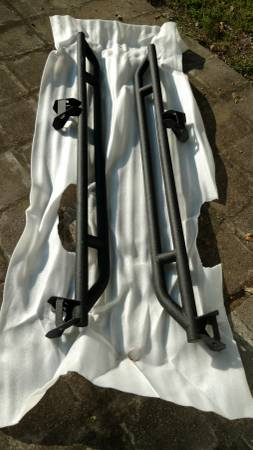 Photo Jeep Wrangler jk Rock Sliders side rails steps armor running boards - $125 (Lenox, TN)