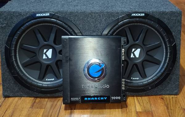 Photo Kicker Comp 12 dual subs with Planet Audio Amp and controller - $300 (Gibson)