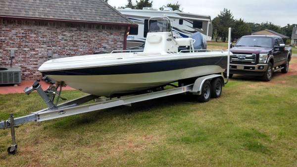 Photo Like New Condition 2004 Nautic Star 2200 Center Console Boat - $12,900