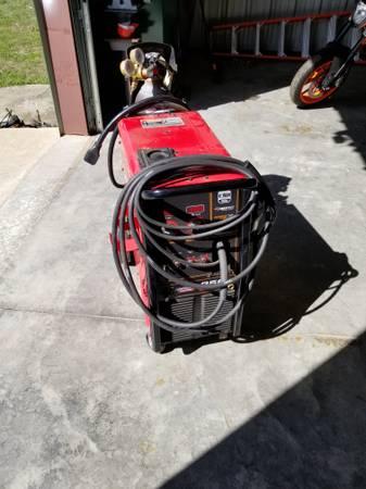Photo Lincoln welder 256 - $1,850 (Beech Bluff)
