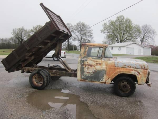 Photo Old Ford farm truck with dump - $1450 (Bradford, TN)