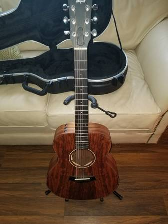 Photo Taylor KOA GS MINI UPGRADED - $850 (Greenfield)
