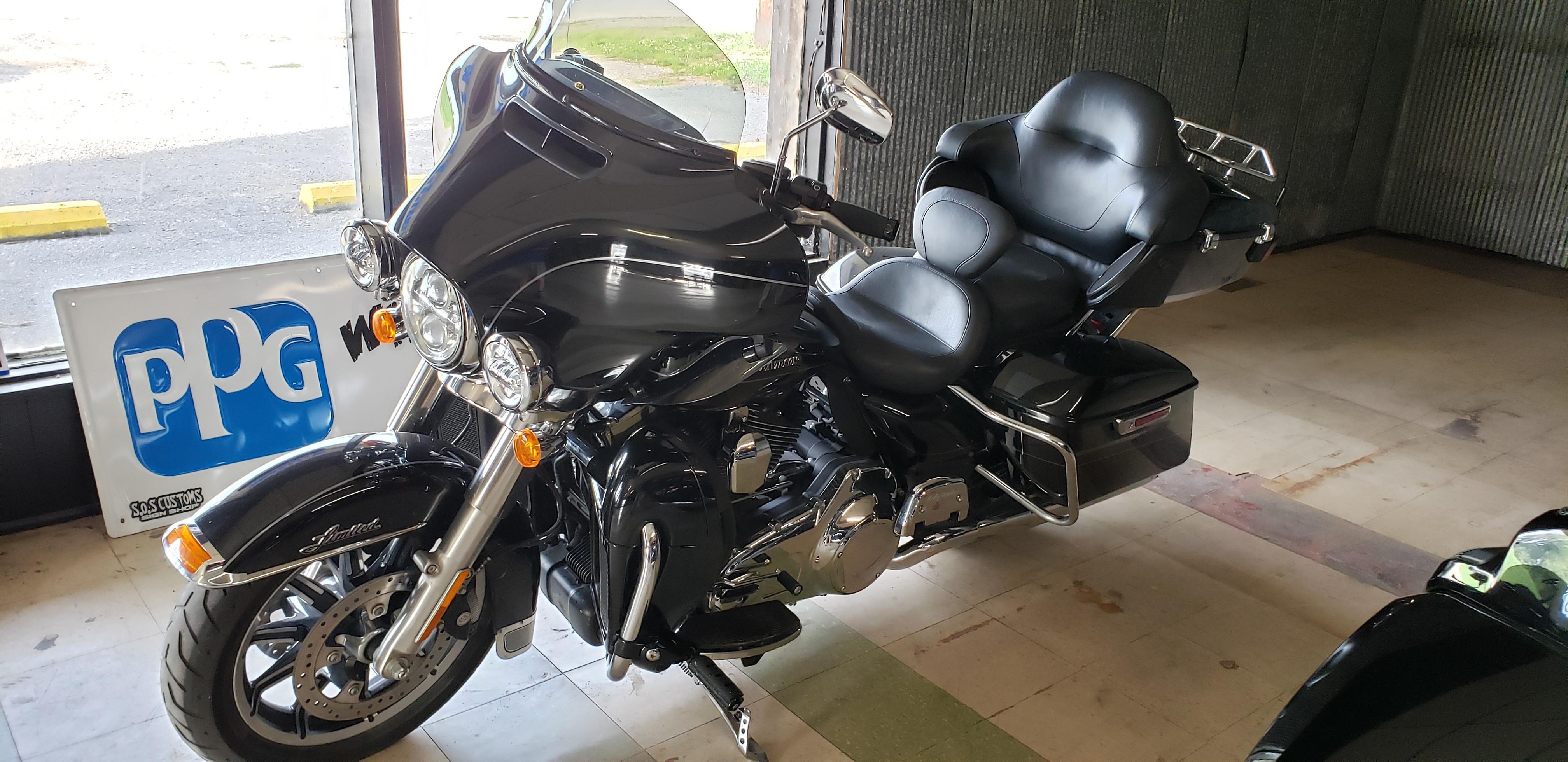 Photo 2015 Harley-Davidson ELECTRA GLIDE ULTRA LIMITED LOW $15000
