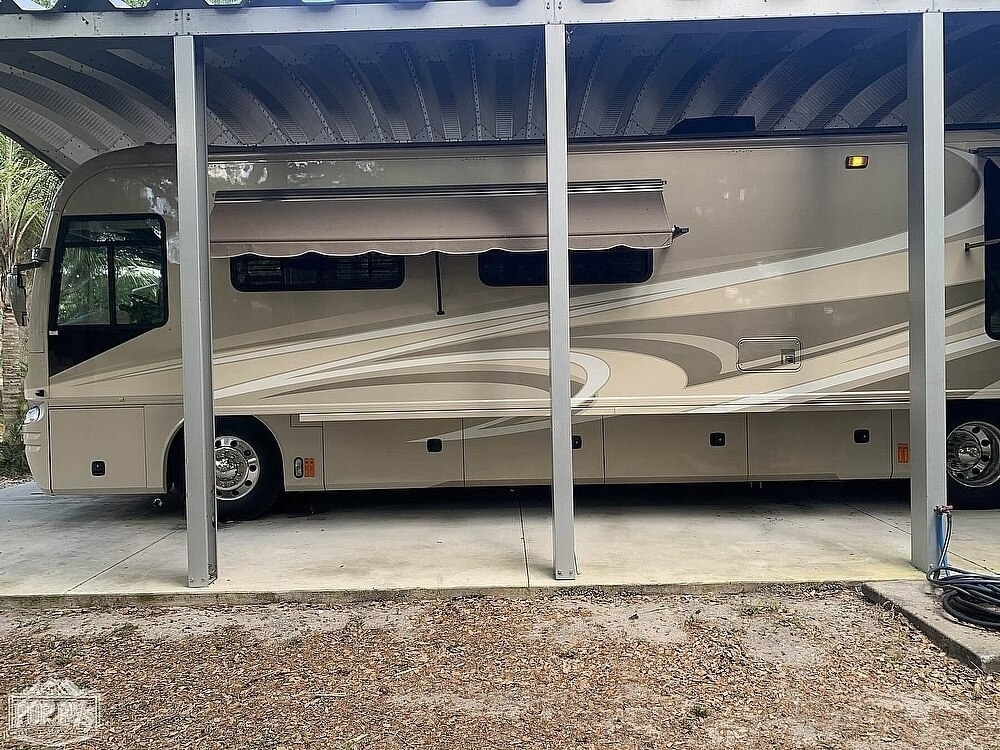 Photo Used 2007 Fleetwood Class A RV  $109000