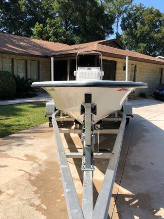 Photo 18 foot Kenner tunnel hull center console - $16000