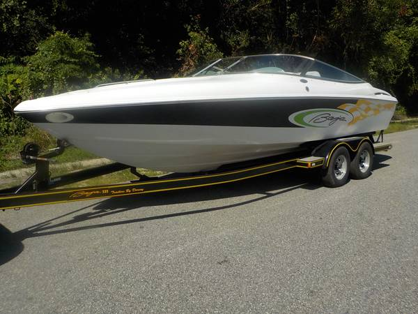 Photo 2001 BAJA 232 Cuddy 2439 powerboat (Mint Condition) - $19950 (Southside BlvdLeahy Rd)