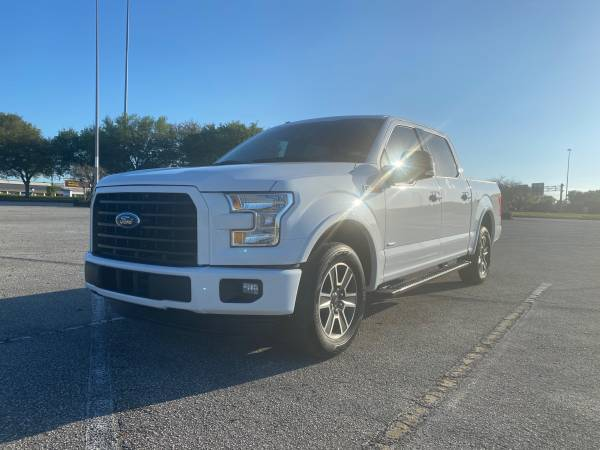 Photo 2016 Ford F150 XLT with original 29,000 miles 2.7L Ecoboost F-150 - $18999 (Jacksonville)