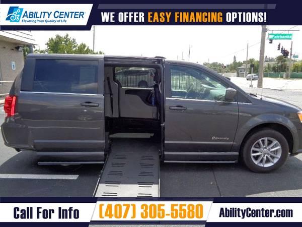 Photo 2019 Dodge Grand Caravan Wheelchair Van Handicap Van - $29,990 (4401 Edgewater Drive, Orlando, FL 32804)
