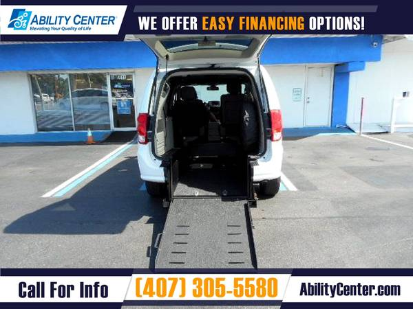 Photo 2019 Dodge Grand Caravan Wheelchair Van Handicap Van - $29,900 (4401 Edgewater Drive, Orlando, FL 32804)