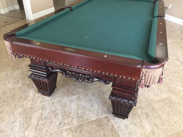 Photo Beautiful Like New Brunswick 8 Foot Royal Knight Pool Table - $5000 (Longwood)