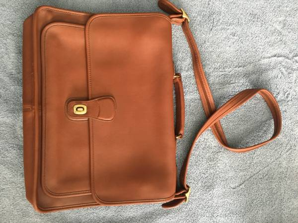 Photo COACH vintage leather portfolio briefcase - $330 (VeteransLongleaf Pine)