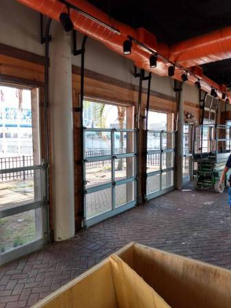 Photo Commercial Glass  Aluminum Rolling Doors - $650 (Jacksonville)