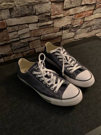 Photo Converse Mens 8.5 Womens 10.5 Navy - $35 (Mandarin)