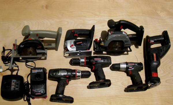 Photo Craftsman 9 Piece 19.2 Volt Cordless Tools 2 Saws 3 Drills 2 Chargers - $80 (Jacksonville)