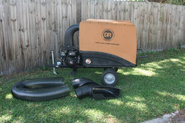 Photo DR Professional Power Lawn and Leaf Vacuum Electric Start - $800 (Blanding Blvd.)