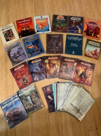Photo Dungeons and Dragons RPG Lot - $250 (Arlington)