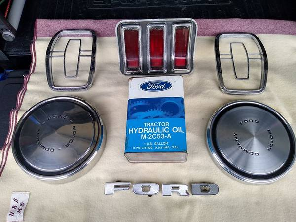 Photo Ford Parts Lot - $75 (jacksonville)