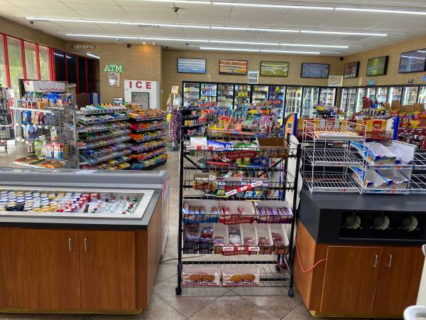 Photo Gas station  convenience store for sale - $80,000