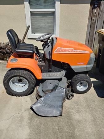 Photo Husqvarna Lawn Tractor - $350 (Westside Chaffee)