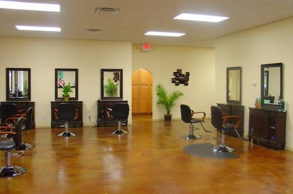 Photo MOVE IN READY HAIR SALON FOR SALE AND LEASE - $40,000 (SAINT JOHNS, FLORIDA)