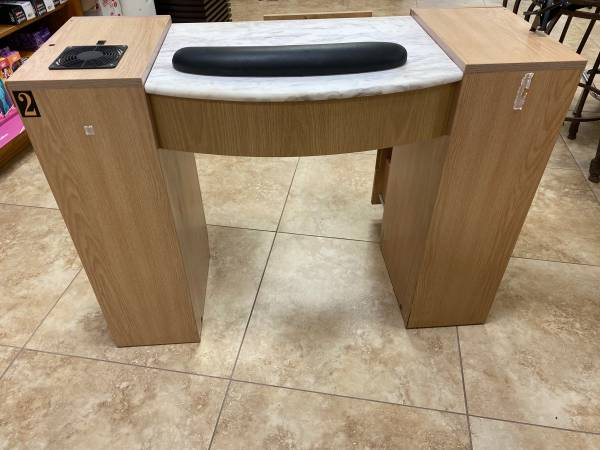 Photo Manicure Table wvent - $50 (Southside)