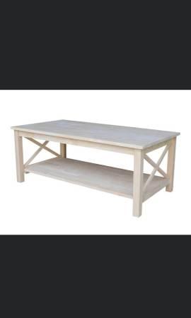 Photo NEW International Concepts Hton Solid Wood Coffee Table - $110 (Mandarin)
