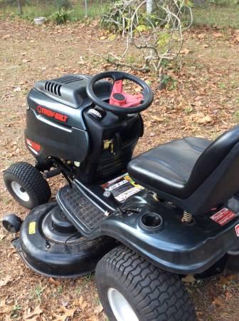 Photo Riding Troy bilt lawnmower mower - $650 (Orange park)