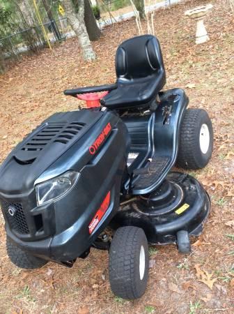Photo Riding Troy bilt lawnmower mower - $750 (Orange park)