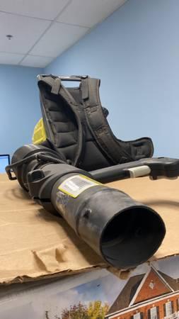 Photo Ryobi backpack leaf blower - $95 (Jacksonville)
