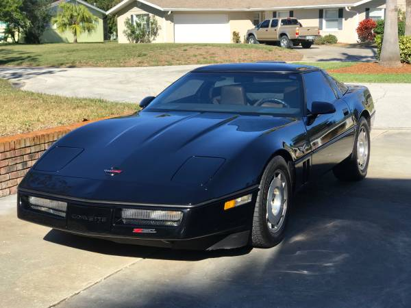 Photo SHOW CONDITION BEAUTIFUL 1986 CORVETTE Z51 4 SPEED AUTO LOW MILE MINT - $9500 (Price firm)