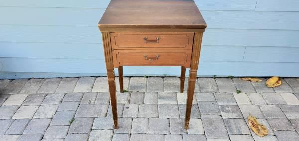 Photo Sears Kenmore Sewing Machine Table - $85 (KernanBeach)