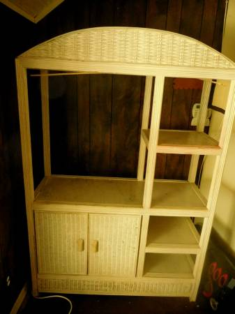 Photo White Wicker Shelf. - $50 (Jacksonville)