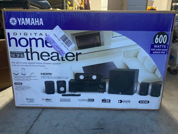 Photo Yamaha Home Theater System - YHT-391BL - $200 (Saint Johns)