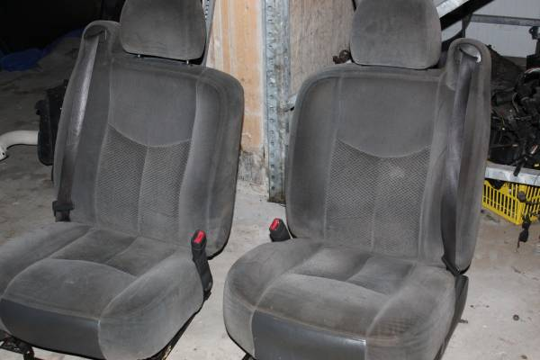 Photo chevy silverado front seats 99 to 2006 - $175 (palm coast)