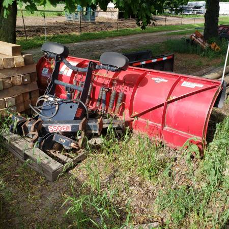 Photo 10 foot boss snow plow - $1,100 (Whitewater)
