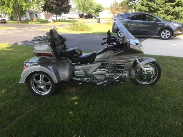 Photo 1999 Honda Goldwing SE 1500 Trike - $13,000 (Delavan)