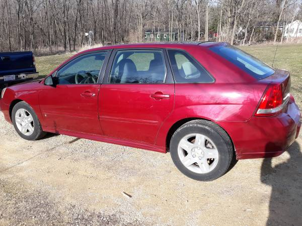 Photo 2007 chevy malibu maxx LT - $3000 (Shopiere wi)