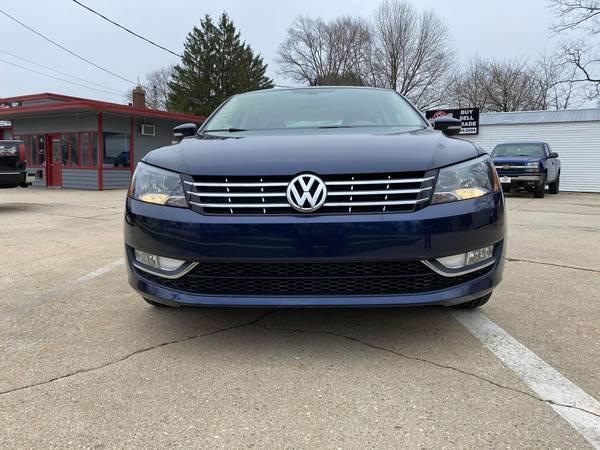 Photo 2013 VW PASSAT PREMIUM TDI SEL - $1699500 (Madison)