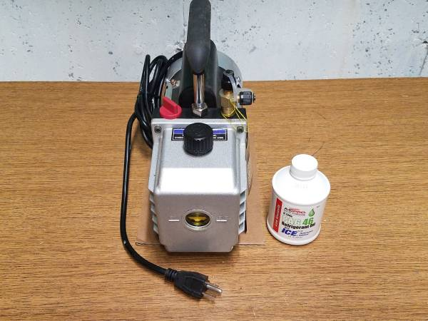 Photo 3 CFM Two Stage Vacuum Pump - $125 (Whitewater)
