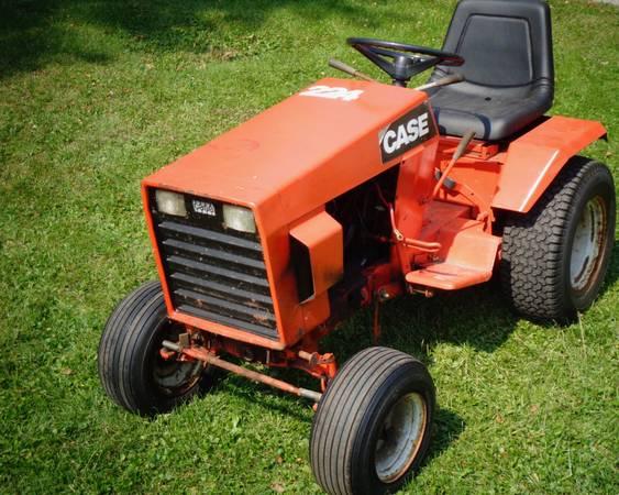 Photo Case 224 Garden Tractor with Snowblower - $500 (Beloit, WI)