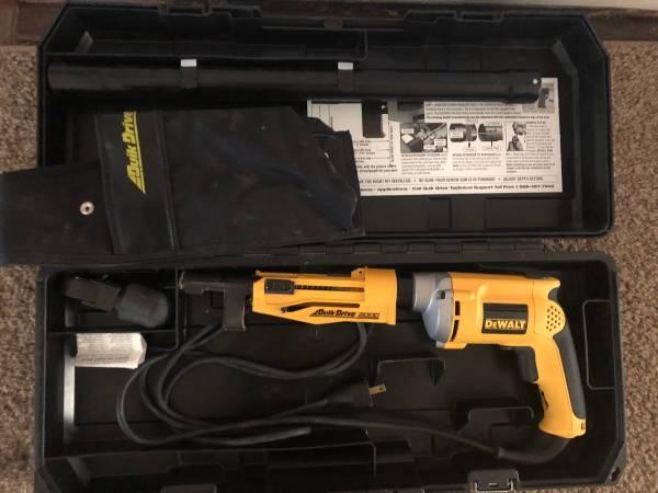 Photo Dewalt Quik Drive Screw Gun - $125 (Janesville)