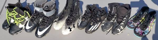 Photo Football  Lacrosse Cleats  Wrestling Shoes - $20 (Elkhorn)