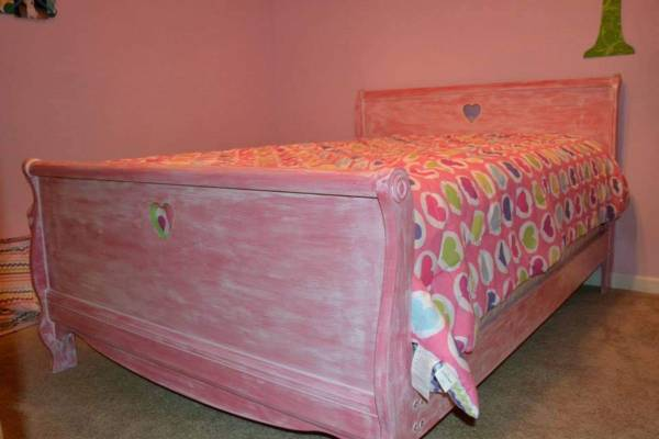 Photo Girl39s Bedroom Set (Full-Size, incl dresser  mattress) - $700 (Milton)