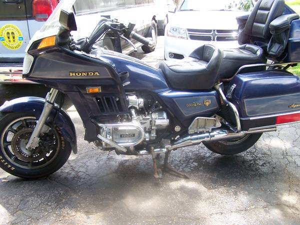 Photo Honda GOLDWING 1200 Aspencade Motorcycle 26K - GO Riding in 2021  - $1,995 (Crown Point)