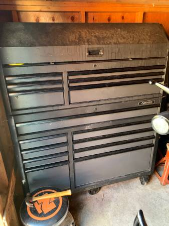 Photo Husky box and snap on tools - $3000 (FORT ATKINSON)