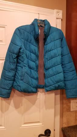 Photo Old Navy puffy jacket Women39s small - $10 (westside or southside Janesville)
