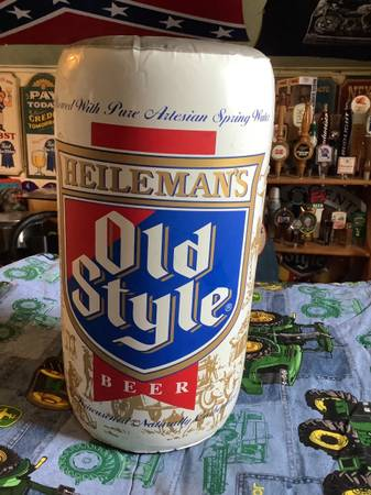 Photo Old Style Beer Can Inflatable - $10 (Clinton Wisconsin)