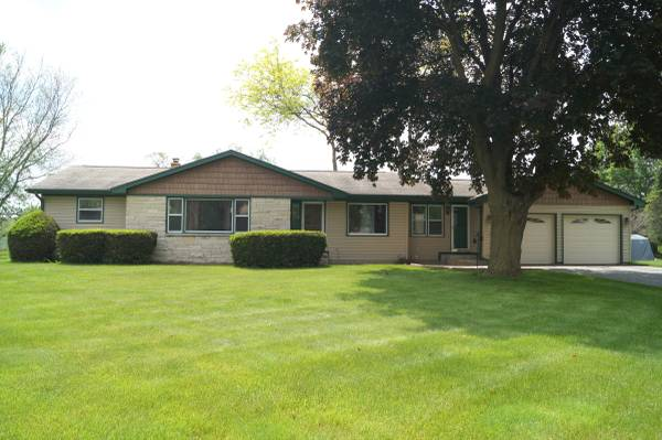 Photo Spacious 3-Bedroom 1.5 Bathroom Ranch Home in Dodge County (218 E. Rubicon St., Hustisford, WI (Dodge County))